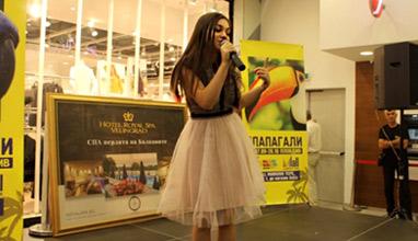 Крисия - гост и член на журито в конкурса Малка Мис и Мистър България