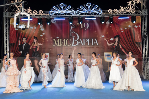 Румяна Данаилова спечели короната на Мис Варна 2019 на пищна церемония