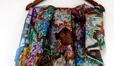 Ръчно рисувани копринени шалове представи Българска Модна Асоциация в Лондон