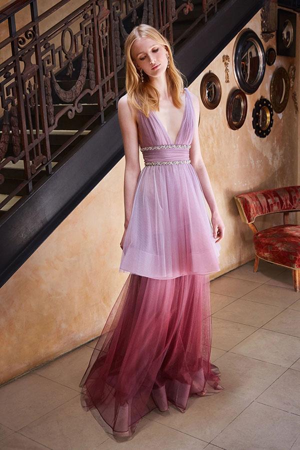 Космос, нова декада и бохемски лукс са тенденциите при официалните рокли в Bridal Fashion