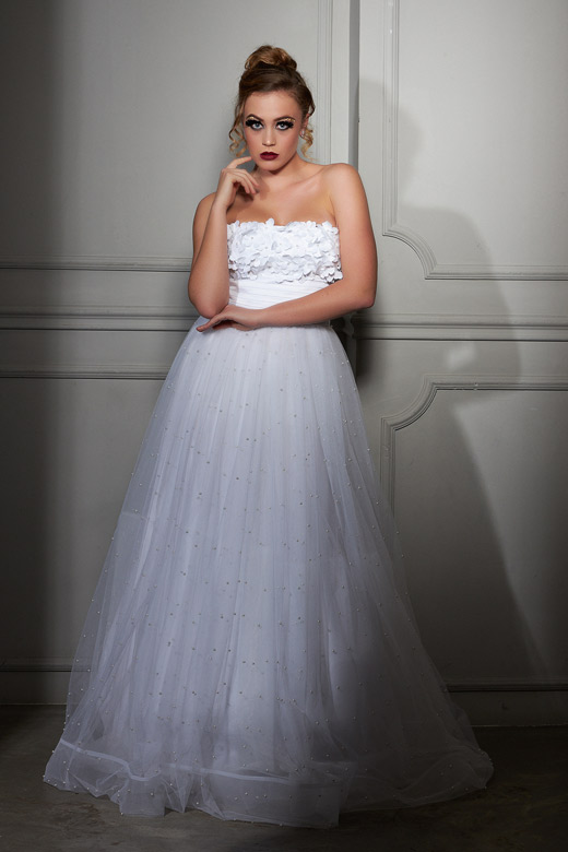 Бутикови рокли на Estrella Couture