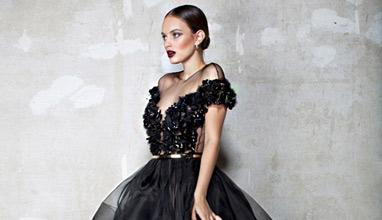 Йоана Дочева създава рокли-картини