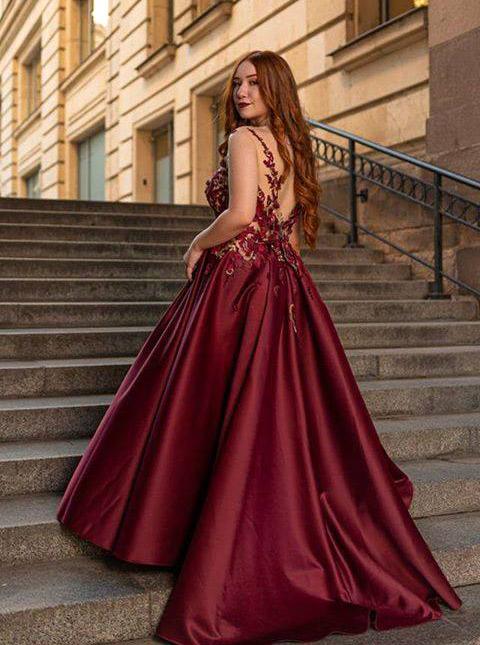Бални рокли в червено