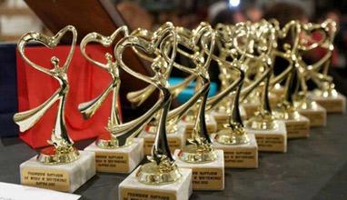 """Красимир Недялков раздава """"Годишни награди за мода, стил, бизнес"""" 2020"""