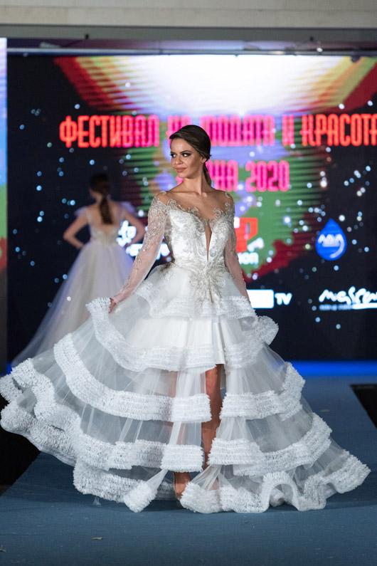 Тонена създава модните тенденции във висшата мода