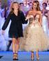 Тонена създава модните тенденции при официалните рокли
