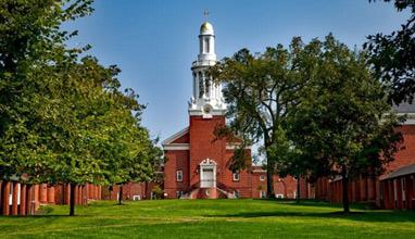 Американски университети пускат безплатно 450 курса онлайн