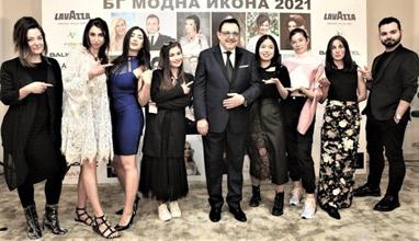 Млади дизайнери показаха свои предложения на БГ Модна Икона 2021