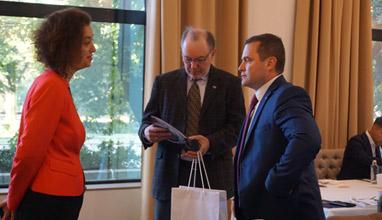 Британският посланик Роб Диксън и БББА се срещнаха с бизнес лидери в Русе