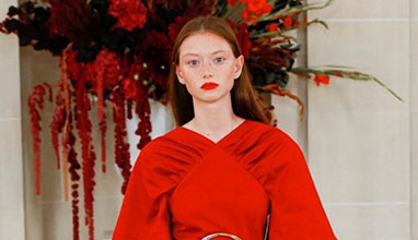 Седмица на модата в Ню Йорк Пролет/Лято 22: Каролина Ерера празнува 40 години в модата