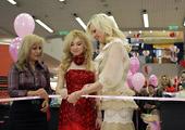"""Международната седмица на блондинките стартира с изложба на кукли """"барби"""""""