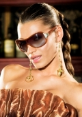 Virginia Zdravkova and KWIAT promote 25 models of sunglasses in three continents