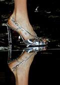 Джузепе Заноти пусна обувки, инкрустирани със Swarovski