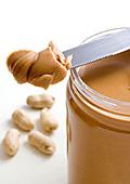 Фъстъченото масло намалява опасността от сърдечни заболявания