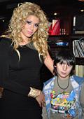 Мисис България Свят 2010 Галена Георгиева стана коледен ангел за 11-годишния Божидар