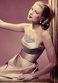 Тоалети на холивудската звезда Грейс Кели на изложба във V & A