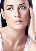 Деми Мур ще създаде своя линия козметични продукти