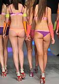 Кокетни модели дефилираха на модното шоу в Сидни