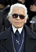 """Карл Лагерфелд """"вледени"""" публиката по време на модното ревю на Шанел в Париж"""