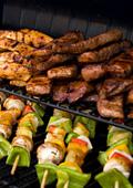 Любителите на месо трупат повече килограми с времето