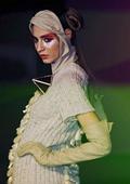 Испански дизайнери показаха екстравагантни модели в Маями Бийч