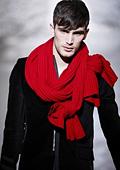 Мъжките шалове на мода тази зима