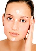 Нано козметиката - предимства и недостатъци на откритието за борба със стареенето