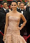 """Пенелопе Крус - най-добре облечената актриса на """"Оскарите"""""""