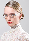 Големите форми на слънчевите очила се пренасят при диоптричните в новата колекция на KWIAT