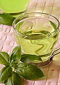 Полезен ли е наистина чаят за отслабване