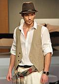 Бойко Борисов навлезе и в модата като модел на Агресия