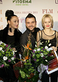 """Най-елегантните  българи за  2011 година получиха високия приз """"БГ МОДНА ИКОНА"""""""