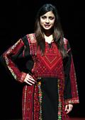 Палестинки дефилираха на модно ревю