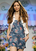 Casual elegance for Spring-Summer 2012