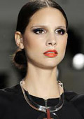 Spring 2011 makeup trends: black is back