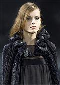 Черното доминира в новата колекция на Шанел