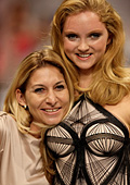 Лили Коул представи най-красивото бельо на световния финал на конкурса TRIUMPH INSPIRATION AWARD 2011