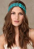 Тенденции в пролетните аксесоари за коса