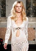 Модни тенденции за Пролет-Лято 2011: Сексапил на една кука