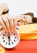 Недоспиването може да доведе до напълняване