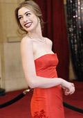 В Холивуд доминираха червените рокли