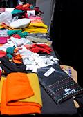 Скандално - отрови в облекла на известни фирми, произведени в Азия