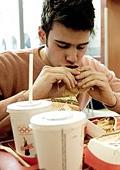 Стресът засилва апетита към нездравословна храна