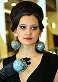 Нестандартна колекция бижута с кристали Сваровски представи Арт Център Мега Мол Русе