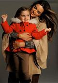 Алесандра Амброзио във фотосесия с дъщеря си