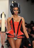 Кожата триумфира на Седмицата на модата в Богота