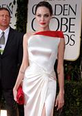 "Анджелина Джоли впечатли с елегантност  на наградите ""Златен глобус"""