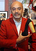 Кристиан Лубутен откри своя изложба с обувки в Лондон