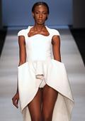 Африканска плът  съблазняваше  с шок тоалети на Седмицата на модата в Йоханесбург