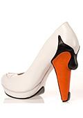 Повече от обувки! 12 модела на Коби Леви